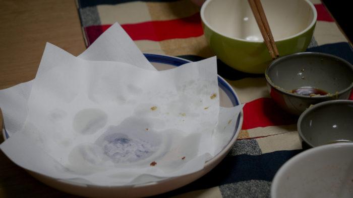 食べつくされた食卓